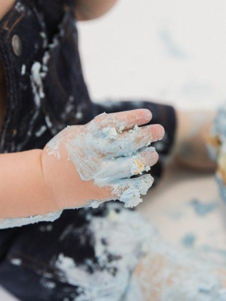 Blauwe cakesmash taart